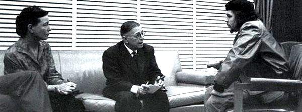 Simone de Beauvoir und Jean-Paul Sartre im Gespräch mit Che Guevara in Cuba 1960. Quelle: [http://commons.wikimedia.org/wiki/File:Beauvoir_Sartre_-_Che_Guevara_-1960_-_Cuba.jpg?uselang=de Wikimedia Commons] ([http://en.wikipedia.org/wiki/Public_domain Public Domain])