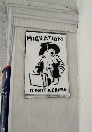 """Migration is not a Crime,"" April 2009 Lünen, Germany, Foto: mkorsakov. [https://www.flickr.com/photos/mkorsakov/3467874435/#/ Flickr] ([https://creativecommons.org/licenses/by-nc-sa/2.0/ CC BY-NC-SA 2.0])"