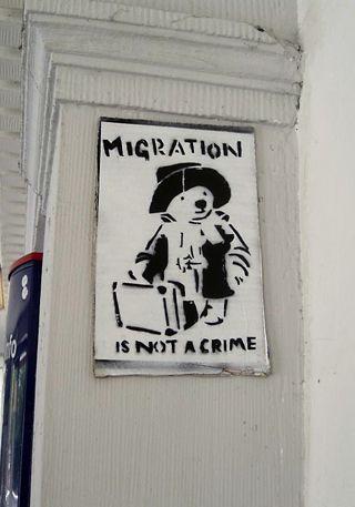 """Migration is not a Crime,"" April 2009 Lünen, Germany, Foto: mkorsakov. [https://www.flickr.com/photos/mkorsakov/3467874435/#/ Flickr] ([https://creativecommons.org/licenses/by-nc-sa/2.0/ CC BY-NC-SA 2.0])"