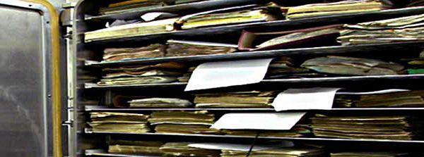 Vakuum- Gefriertrocknungskammer geöffnet, Zentrum für Bucherhaltung GmbH, 2006, Foto: Manfred Anders