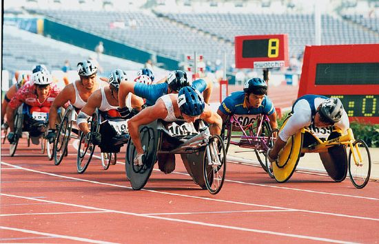 Atlanta Paralympic Games, 1996, Fotograf: John Sherwell, Quelle: Australian Paralympic Committee/Sport The Library ([http://commons.wikimedia.org/wiki/File:71_ACPS_Atlanta_1996_Track_Paul_Wiggins.jpg Wikimedia Commons/Australian Paralympic Committee] [http://creativecommons.org/licenses/by-sa/3.0/de/deed.en CC BY-SA 3.0 DE]).