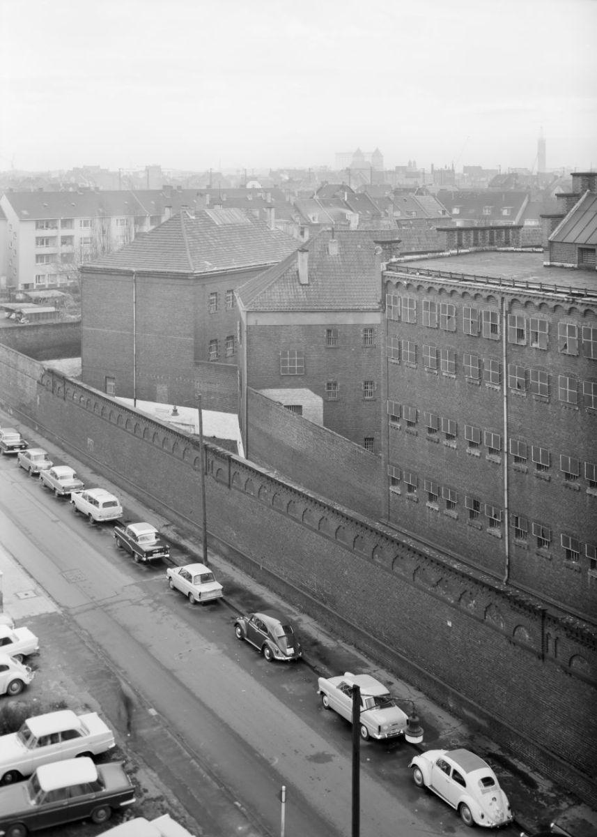 Gefängnis Klingelpütz, Köln (1834–1843 in zwei Bauphasen als preußisches Kriminalgefängnis errichtet, abgebrochen 1969 nach Fertigstellung der neuen Justizvollzugsanstalt Köln-Ossendorf) (© Rheinisches Bildarchiv Köln, Foto von 1963, rba_113520)