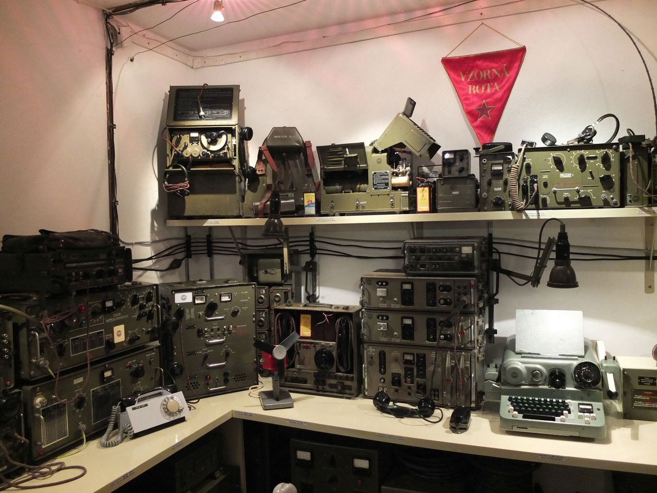 Restaurierte Funktechnik im Prager Museum des Kalten Krieges im Bunker unter dem Hotel Jalta (Foto: Sabine Stach)